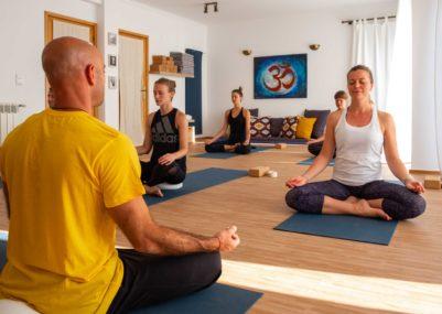 108 Yoga • Waves • Experience - Yoga Lesson