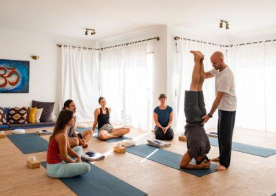 108 Yoga • Waves • Experience - Yoga Lesson  Copia